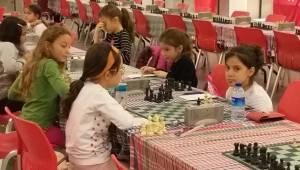 Satrancın Küçük Şampiyonları