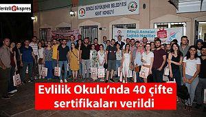 Evlilik Okulu'nda 40 çifte sertifikaları verildi