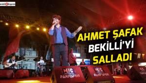 Ahmet Şafak Bekilli'yi salladı