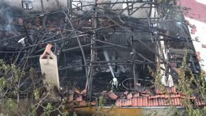 49 yıllık Muratdede Camisi alev alev yandı