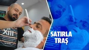 Satırı ustura gibi kullanarak sakal tıraşı yaptı
