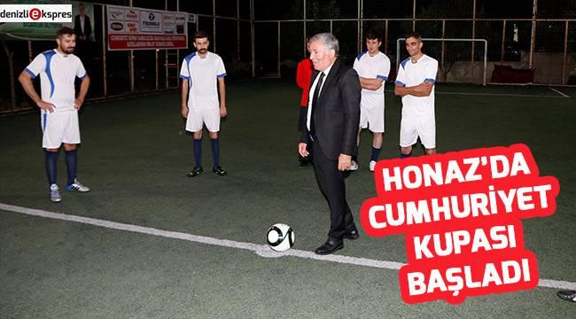 Honaz'da Cumhuriyet Kupası Başladı