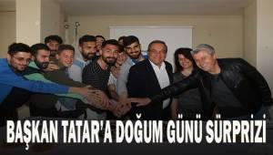 Çal Belediyespor Kulüp Başkanı Tatar'ın doğum gününü kutladılar.