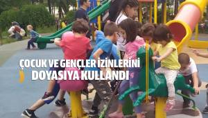 Parklar çocuklarla doldu