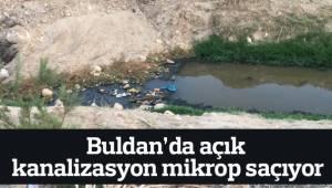 Buldan'da açık kanalizasyon mikrop saçıyor