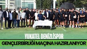 Futbolcular, yönetim kurulu ve teknik ekip Başkan Çetin'nin doğum gününü kutladı