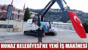 Honaz Belediyesi, araç filosuna yeni bir iş makinesi daha ekledi.