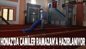 Honaz'da camiler Ramazan'a hazırlanıyor
